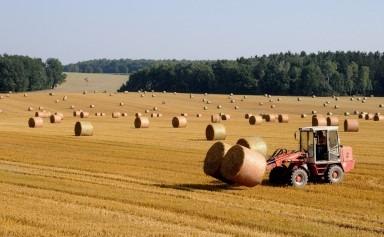 5 utilaje agricole utile toamna asta